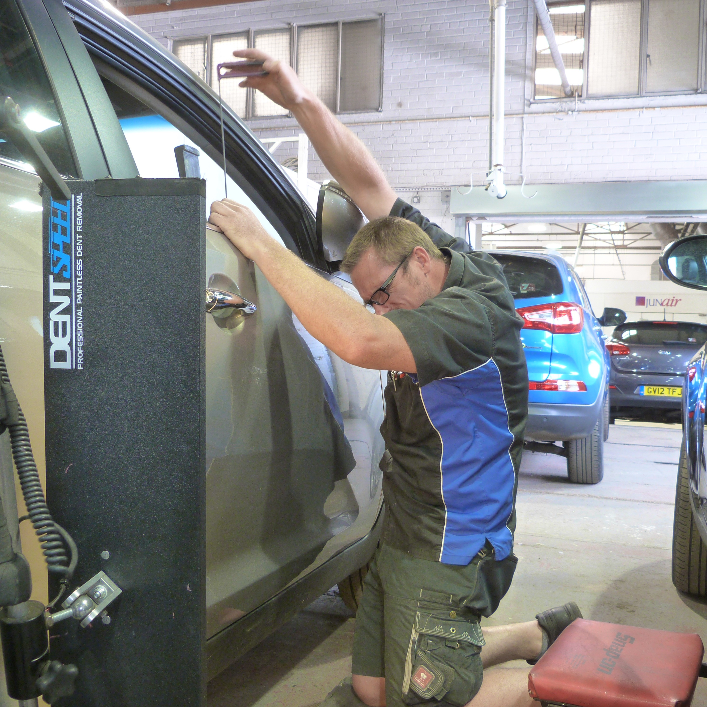 Auto Dent Removal Car Dent Repair Centre In Peterborough Book Now